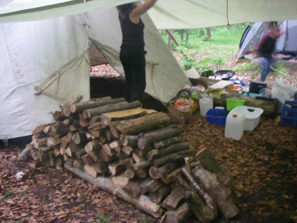 Holz aufgestapelt...