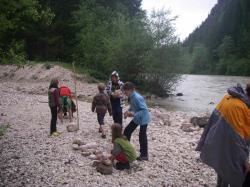 Steine sammeln für das Medizinrad